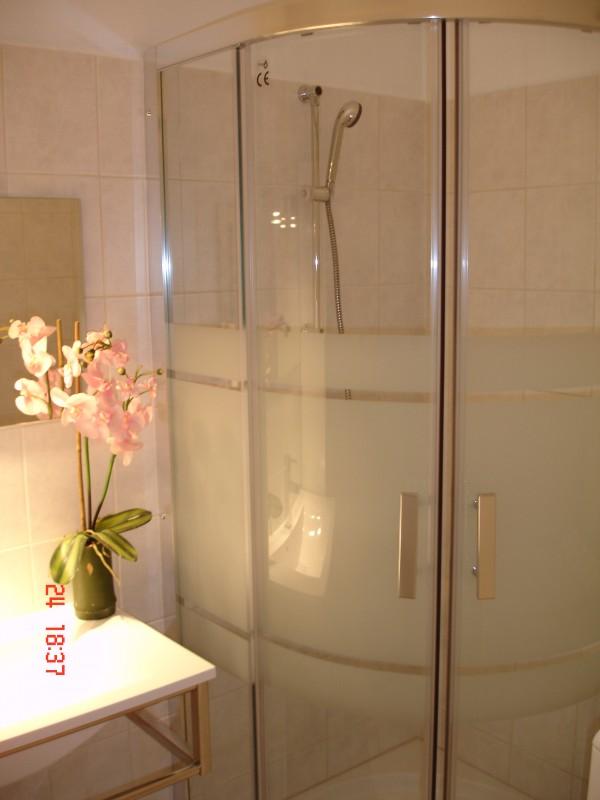 Salle.de Bain. (douche, lavabo, meuble ...)