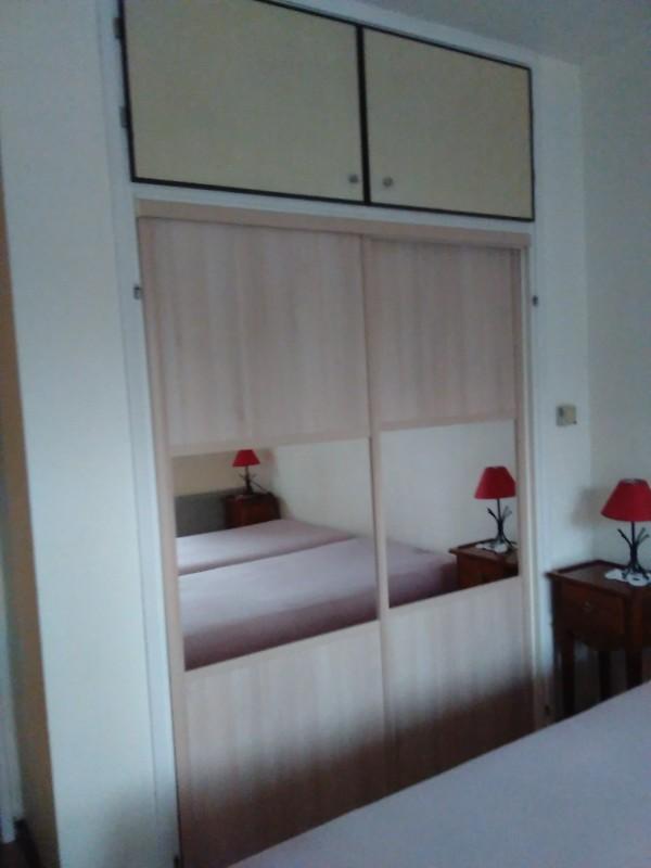 armoire avec portes coulissantes